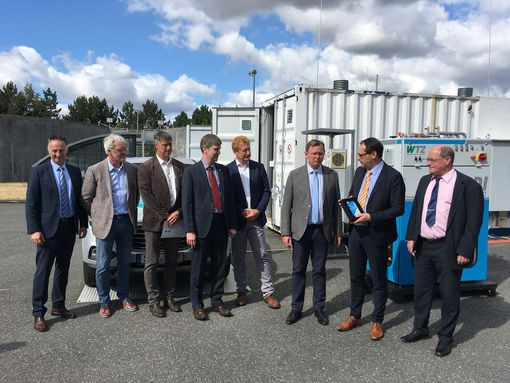 LocalHy-Projektpartner mit Ministerpräsidenten Ramelow; Bildnachweis: HYPOS e. V.